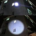 TORCIA TATTICA MILITARE A LED ULTRA LUMINOSA 1200 LMN IMPERMEABILE CON 5 MOD.